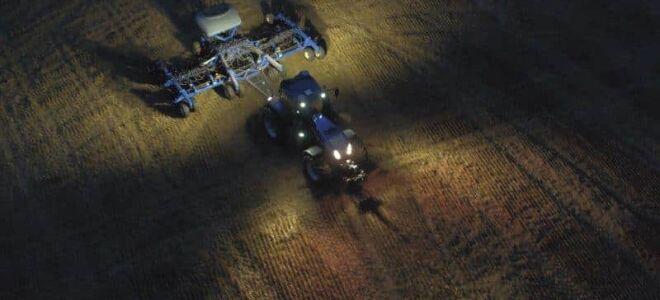 Система освещения трактора – разновидности фар и принцип их установки