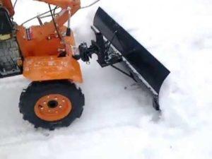 Снегоочиститель - лопата для мотоблока