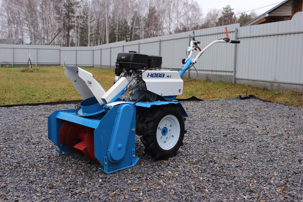 Снегоуборочное навесное оборудование для мотоблоков своими руками