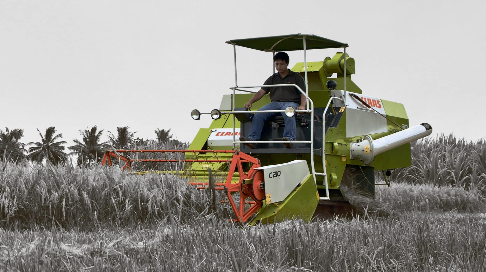 Японские мини комбайны для уборки зерна риса