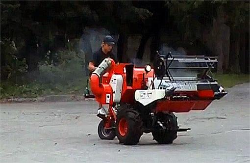 Зерноуборочный комбайн Заря