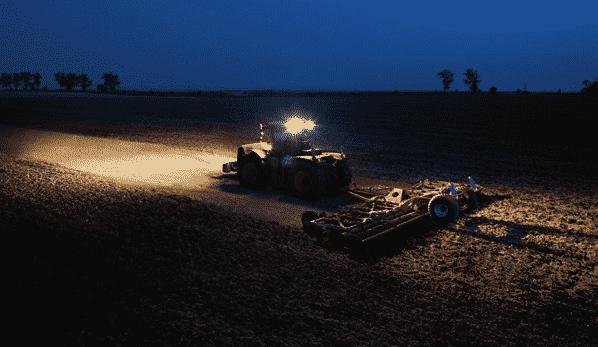 Приборы освещения и сигнализации трактора