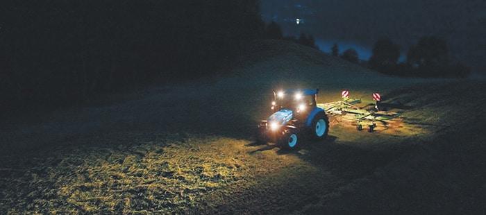 как сделать свет на тракторе