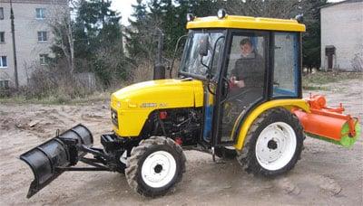Трактор Уралец