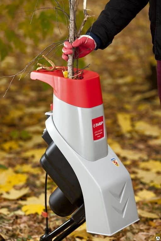 Садовый электрический измельчитель для травы и веток «Зубр» ЗИЭ 40 1600