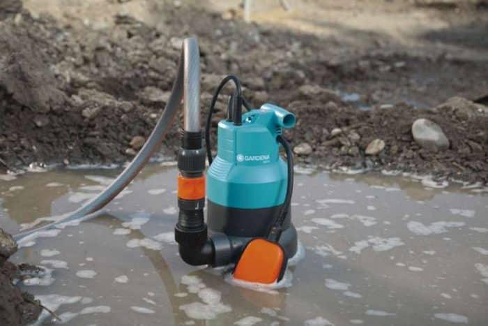 Каким насосом откачать воду из подвала?